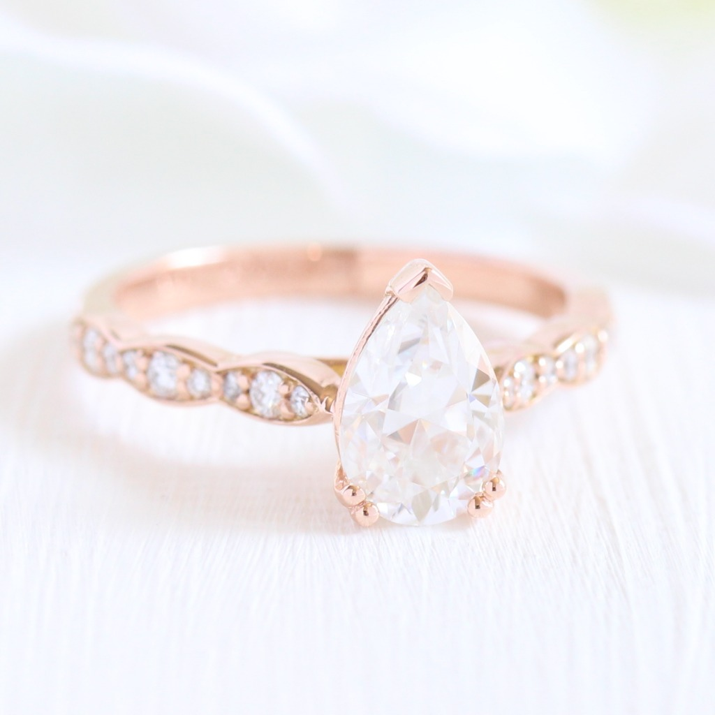 Pears have been a steady engagement ring trend throughout 2018, so we decided we'd add a Pear solitaire to our Grace Solitaire collection