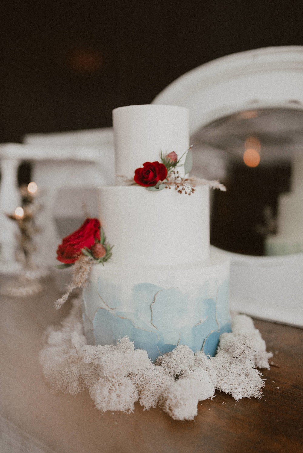 unique and elegant wedding cake in blue and white