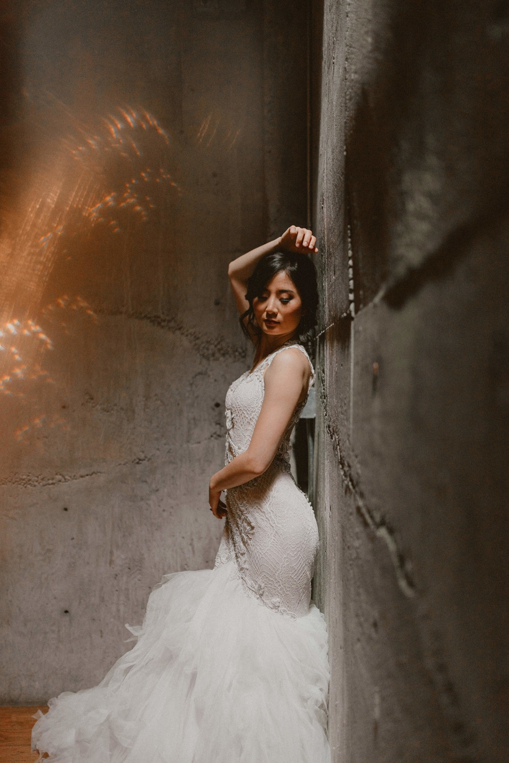 dramatic bridal photo idea