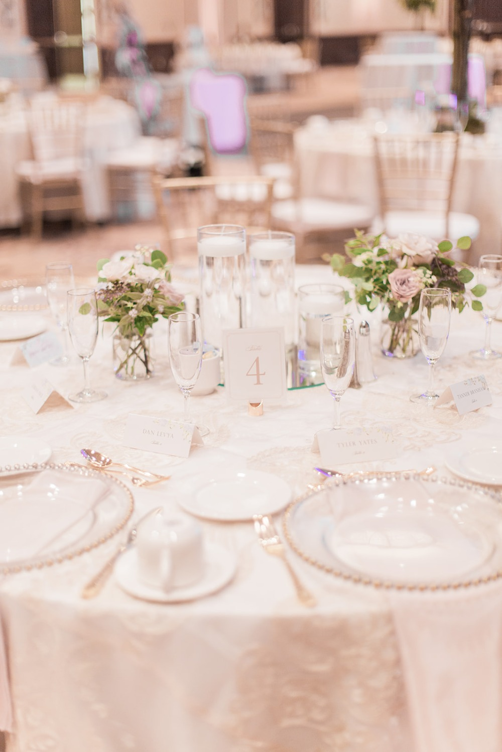 sweet white and gold table setting