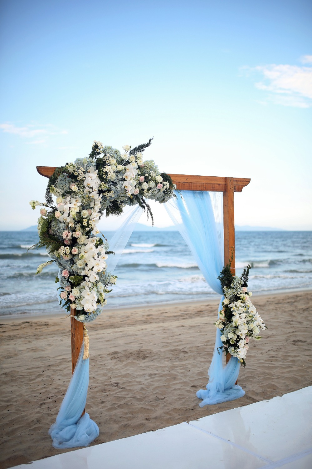 blue beach wedding backdrop arch