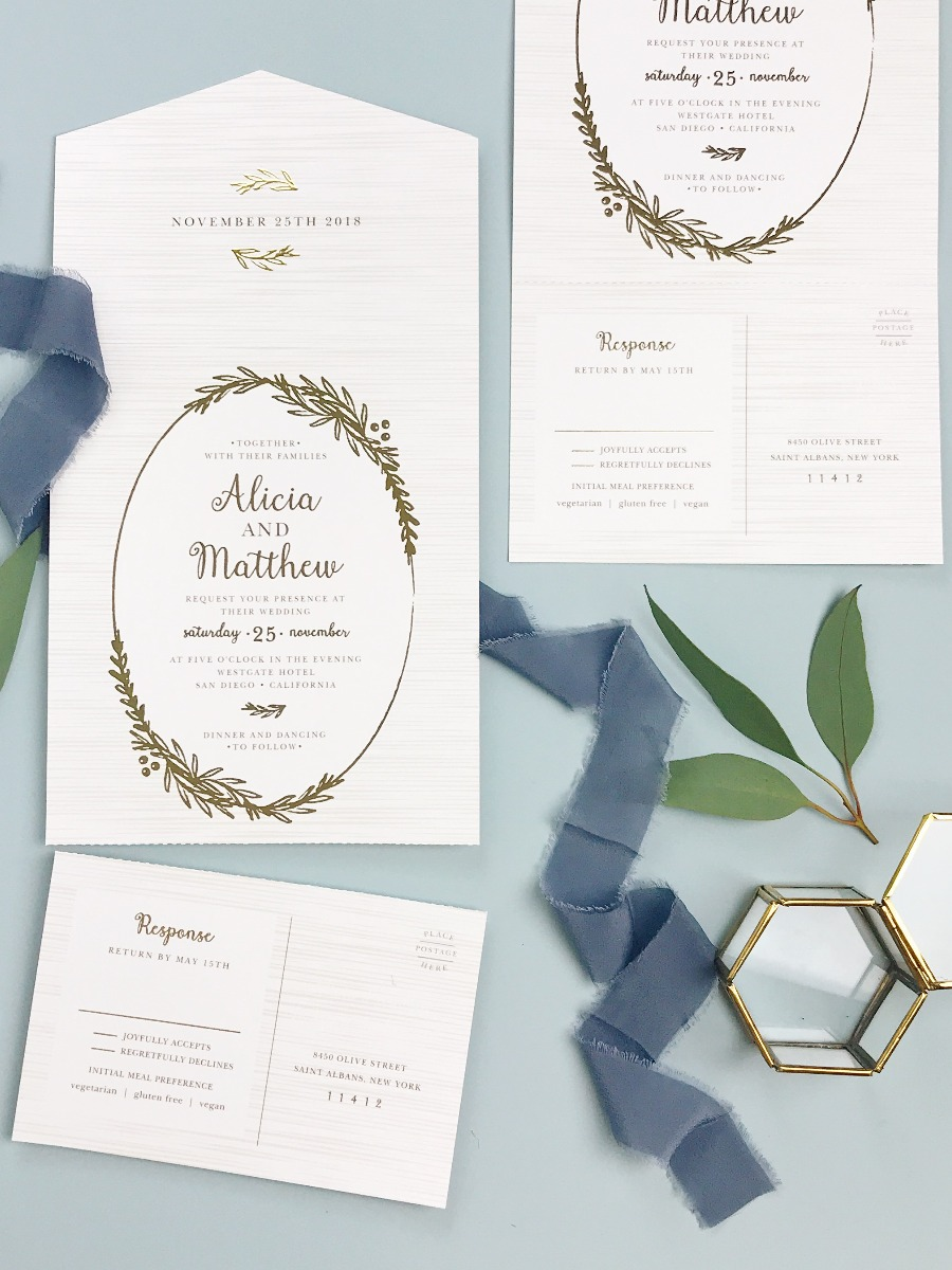 These Epic Wedding Invites Don\'t Come With Envelopes