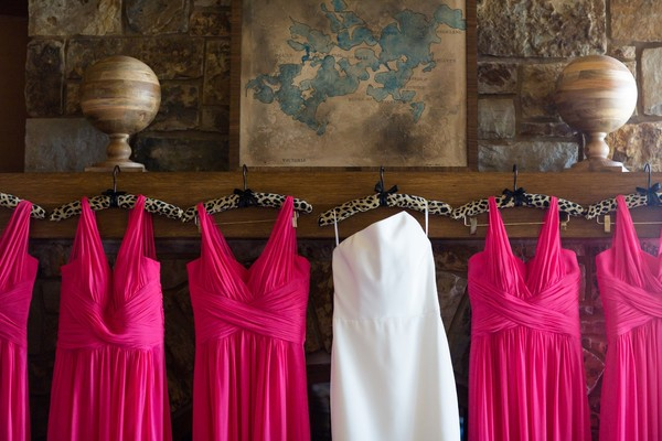 How To Have A Classic Ballroom Wedding In Navy And Pink