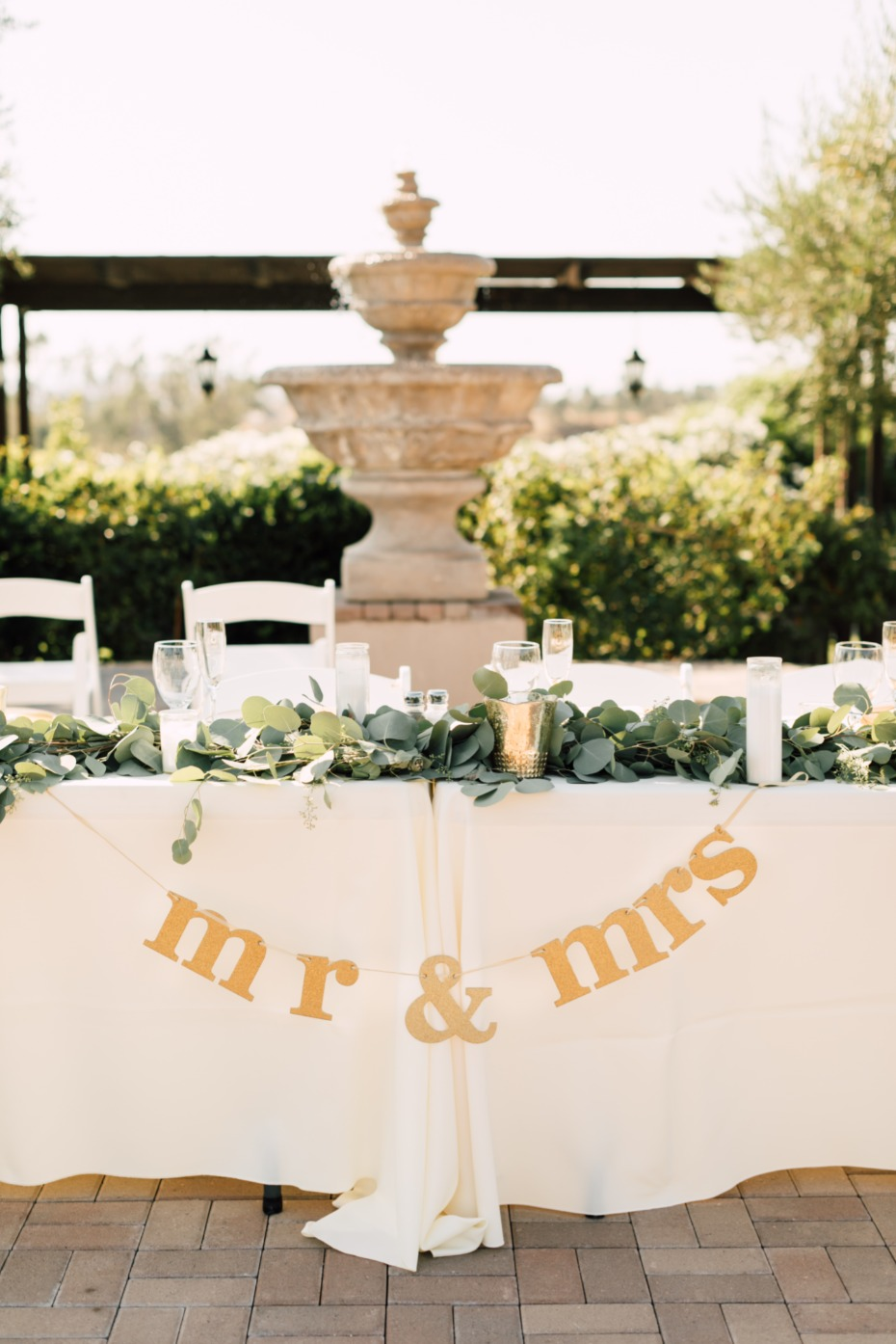 mr and mrs sign for head table