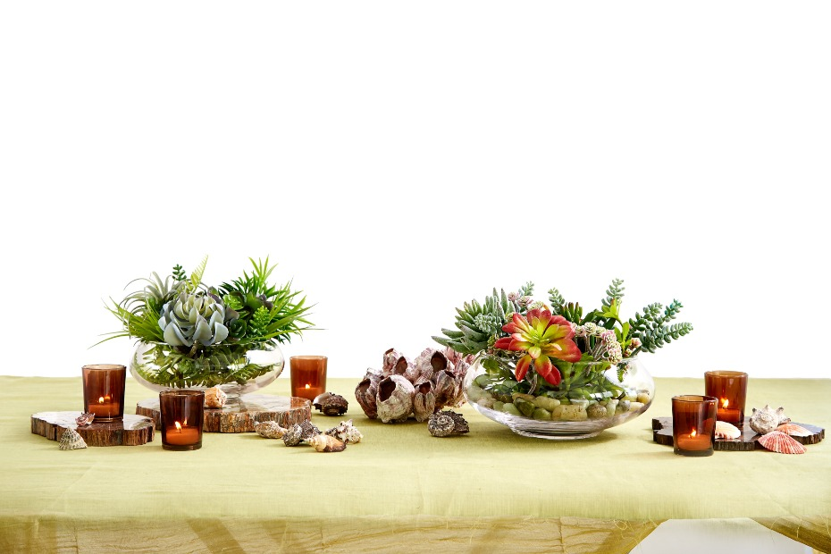Beach Wedding Table Decorations with Seashells by Jamali Garden