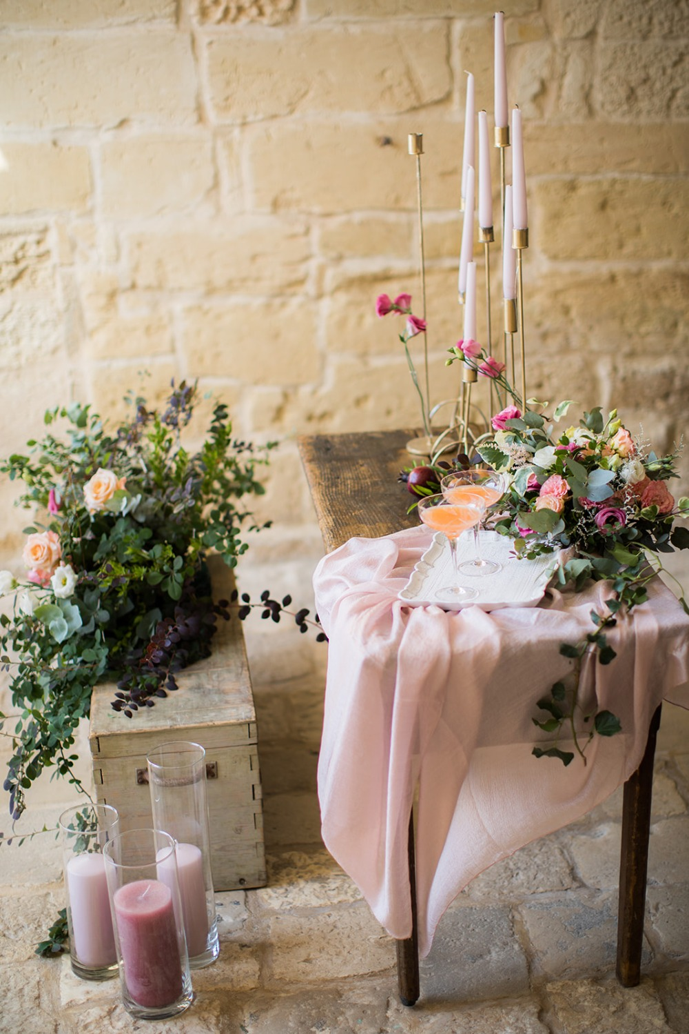 wedding table with romantic flowers