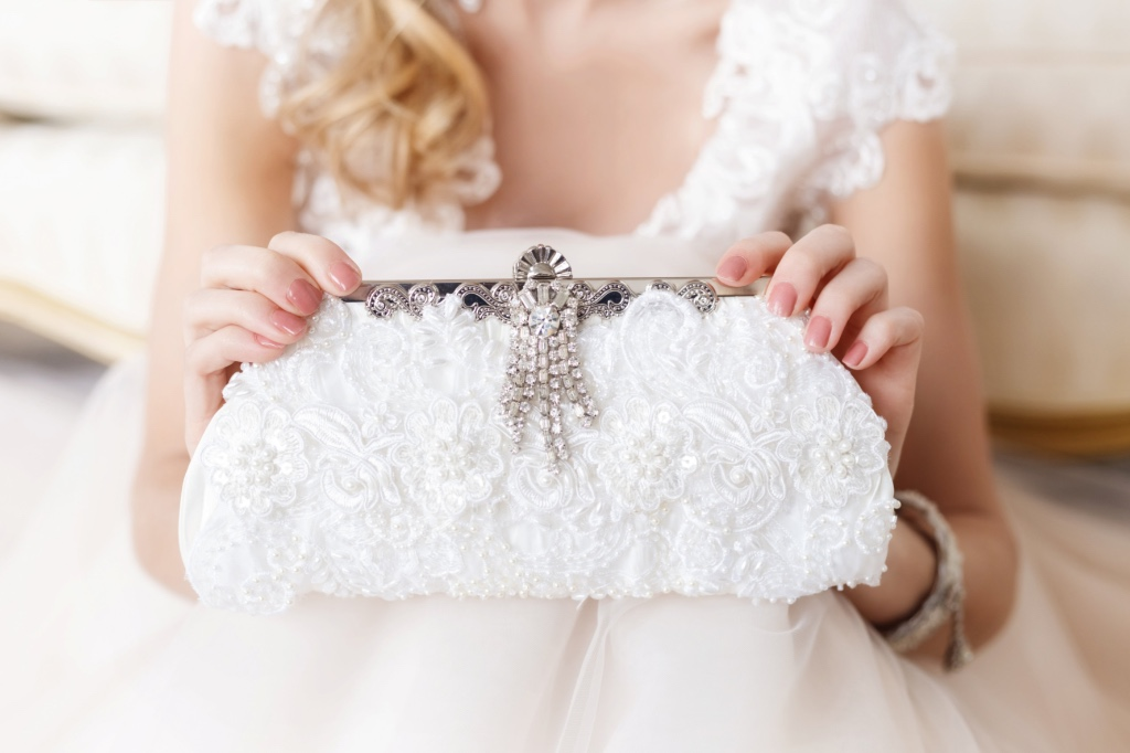 Couture bridal clutches that are unique and glamorous