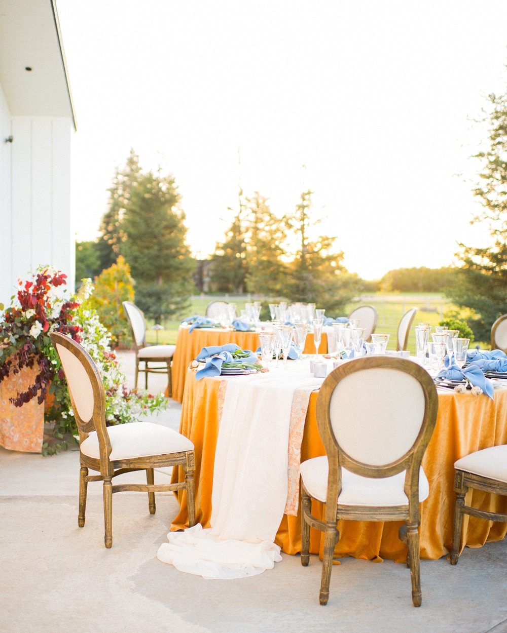 outdoor wedding reception with a chic rustic vibe