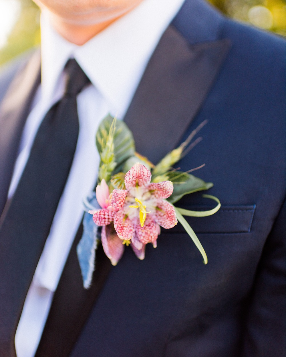 unique floral boutonniere idea