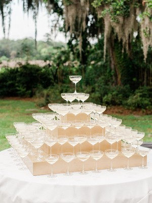 Classic South Meets Modern North In this Fabulous Wedding