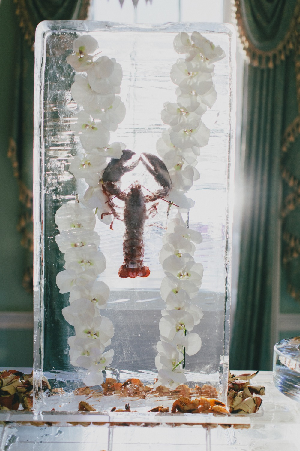 wedding lobster and ice sculpture