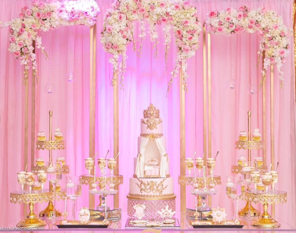 Opulent Treasures is an inspiring site to shop for your wedding dessert table ~ discover our unique collection of entertaining pieces