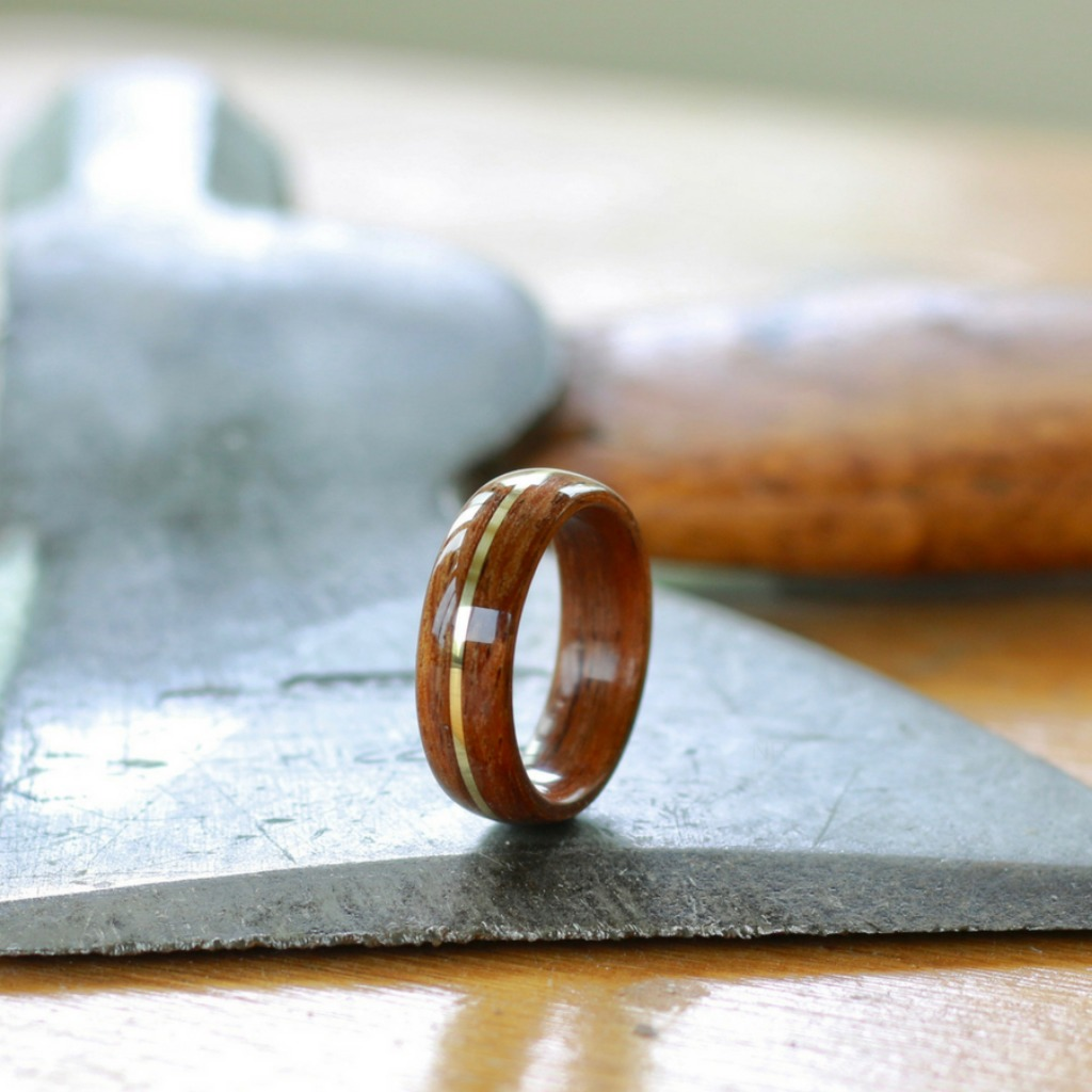 Tailored made bentwood wedding ring with a copper inlay. These rings can be tailored to your own liking. A ring that is truly unique