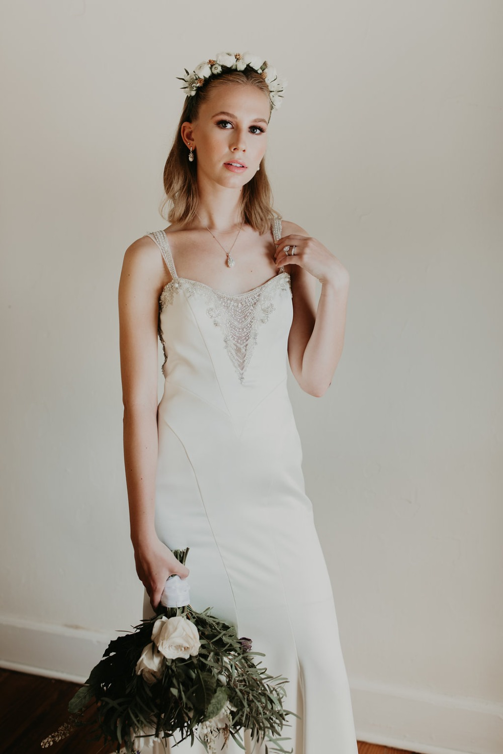 chic and simple bridal style