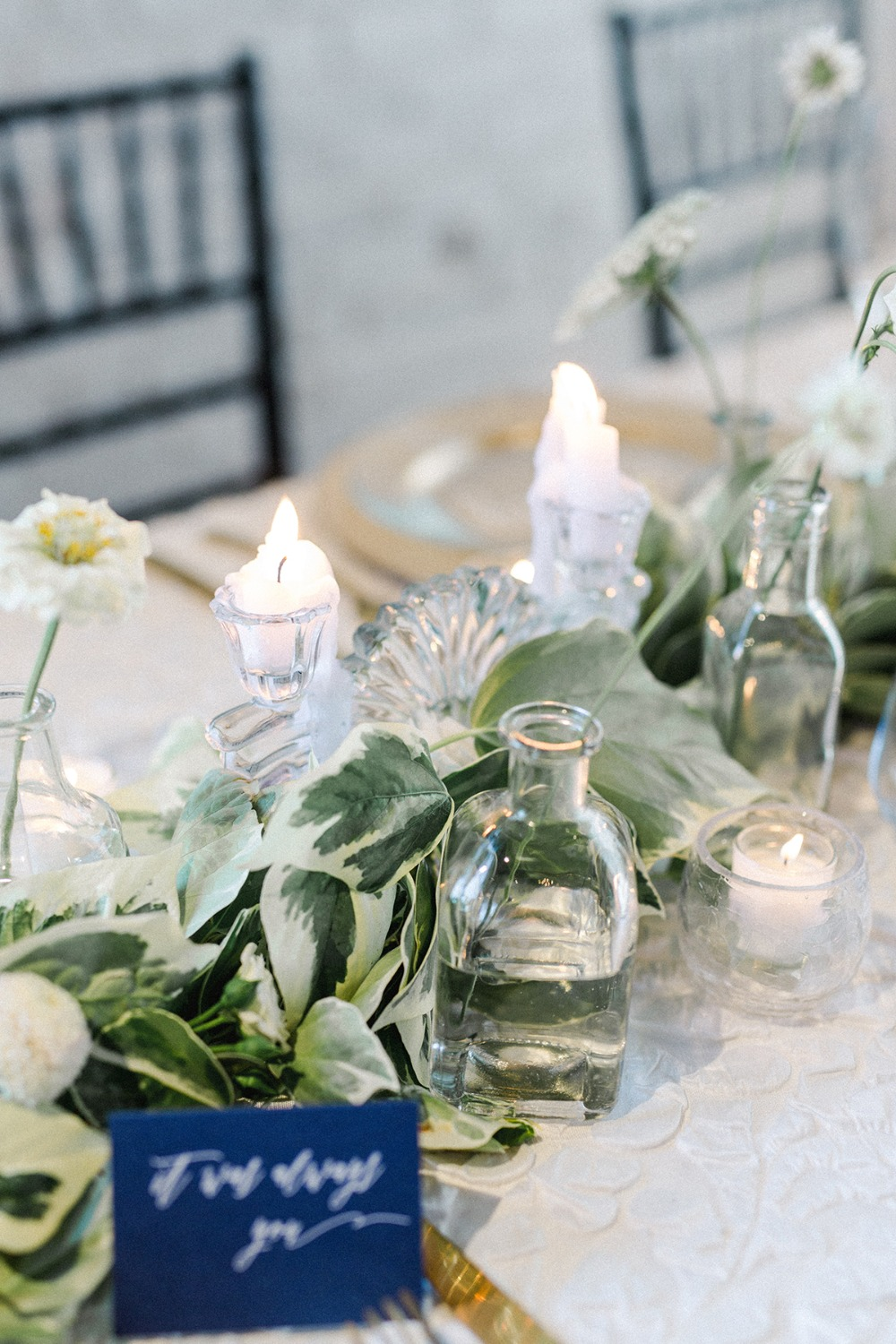 white wedding chic decor