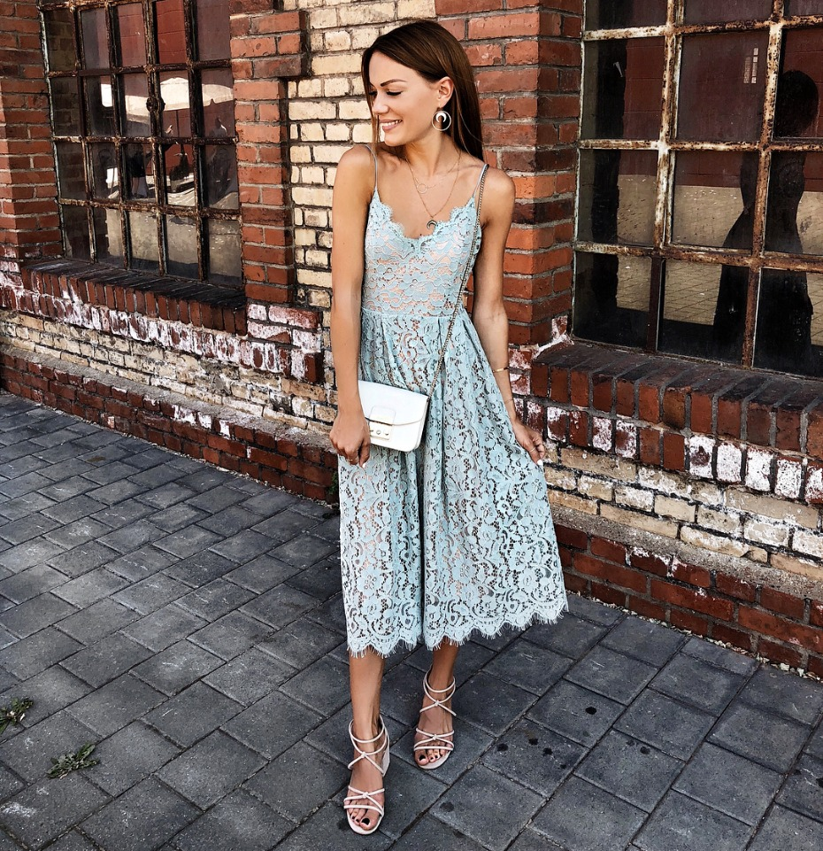5ebfea3800a What to Wear as a Guest to An End of Summer Wedding