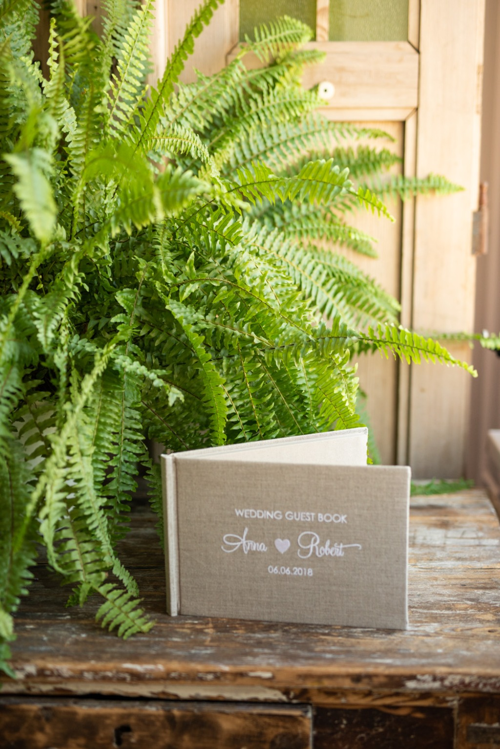 Guest book perfect for rustic wedding