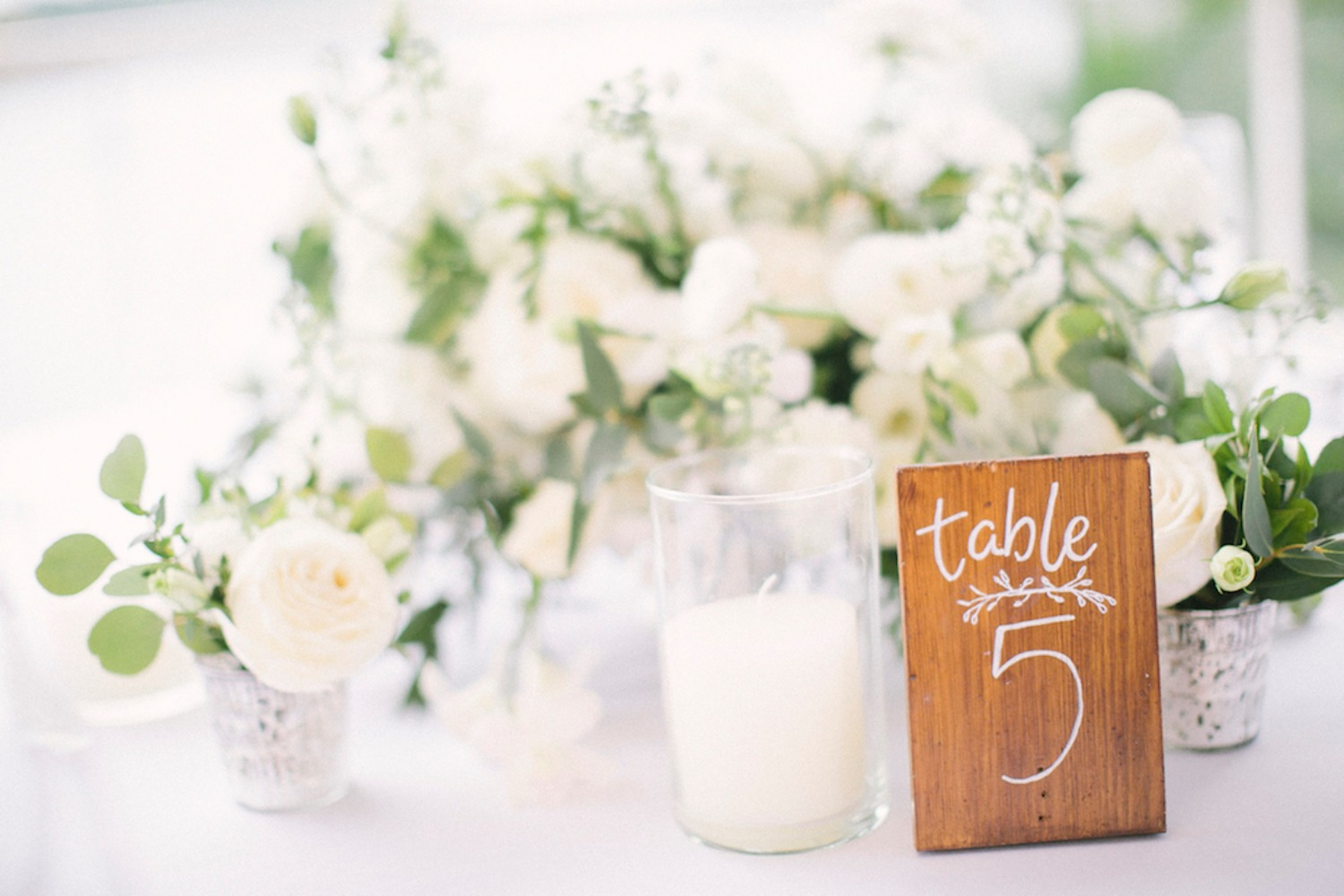 wedding table decor in fresh white