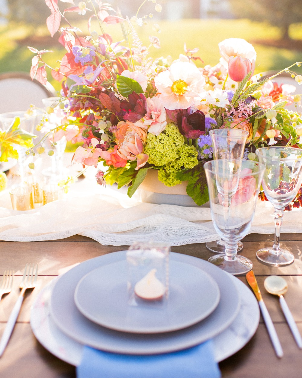 quaint and elegant wedding place setting