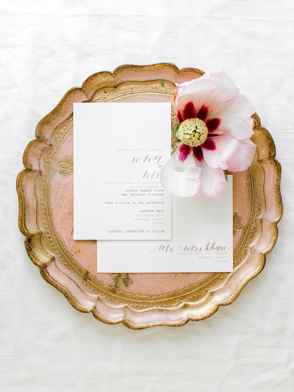 modern wedding invitation idea
