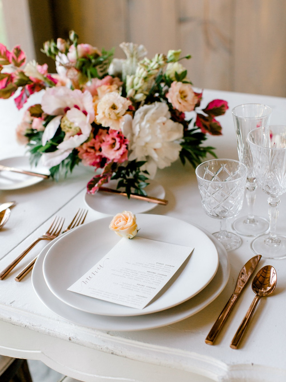 modern yet classic wedding table decor
