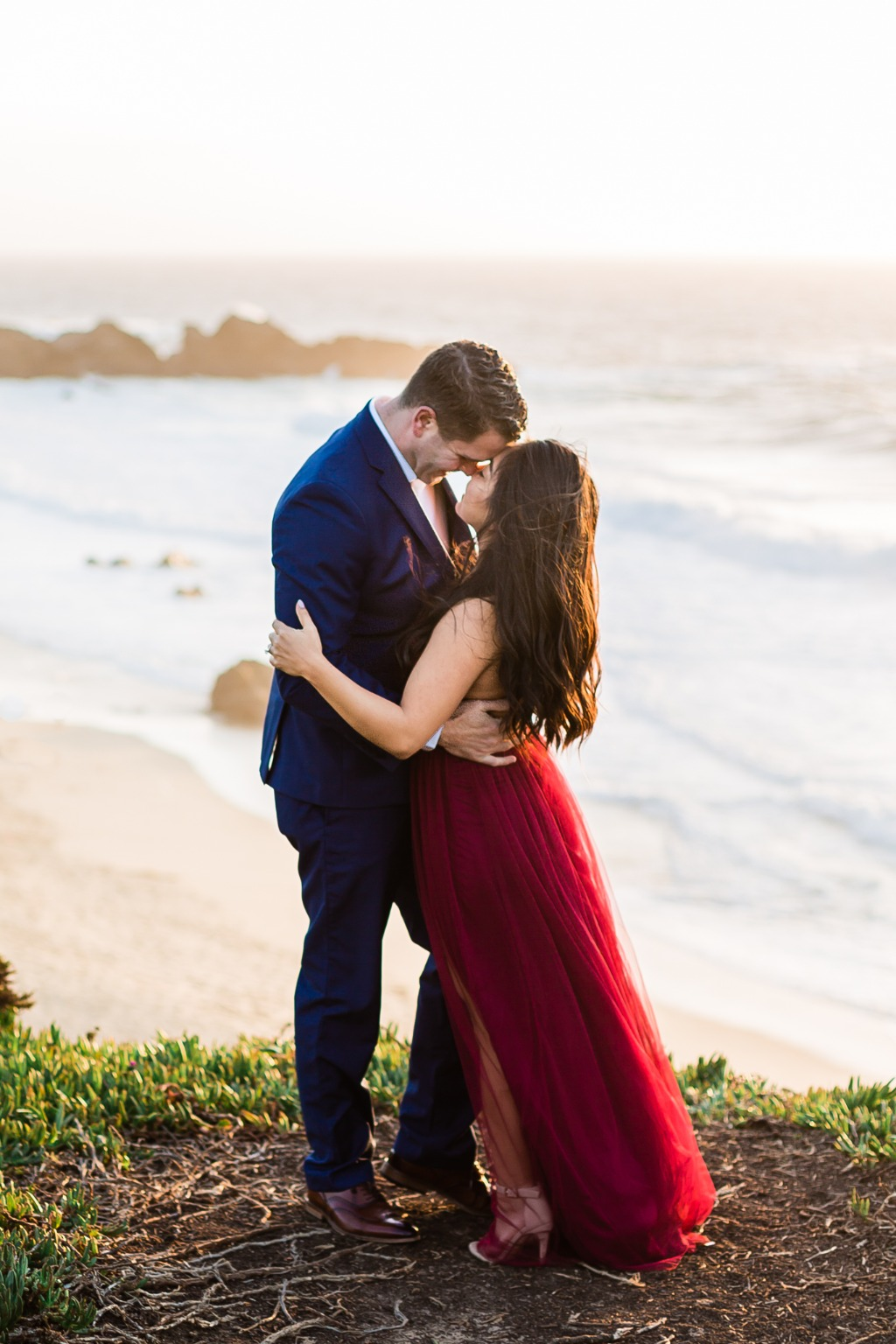 I'm not exaggerating when I tell you that I have the best couples in the world. Yesenia and Kyle braved the cold and windy cliffs