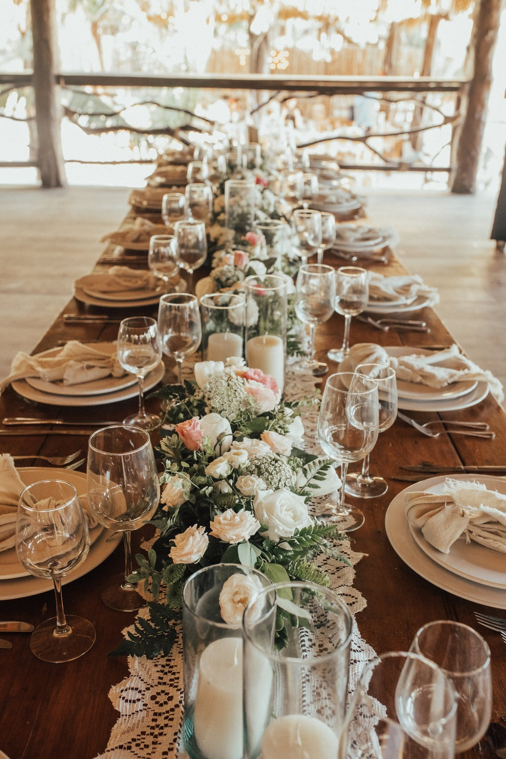 white and pink wedding table decor
