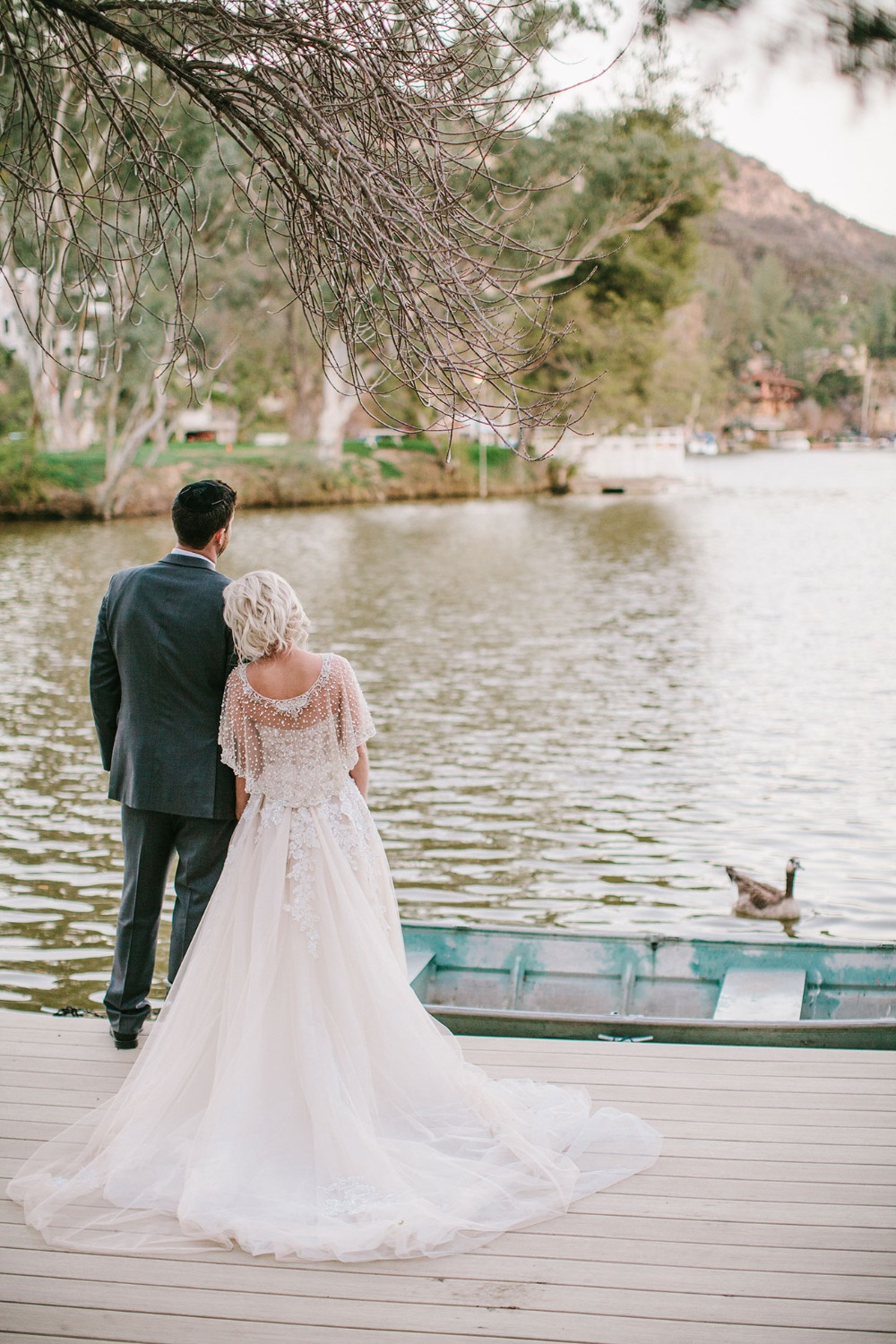 wedding couple at the lake