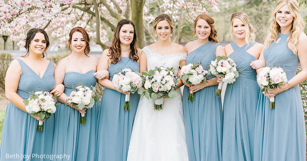 Loving these bridesmaids in Dusty Blue!😍 💕