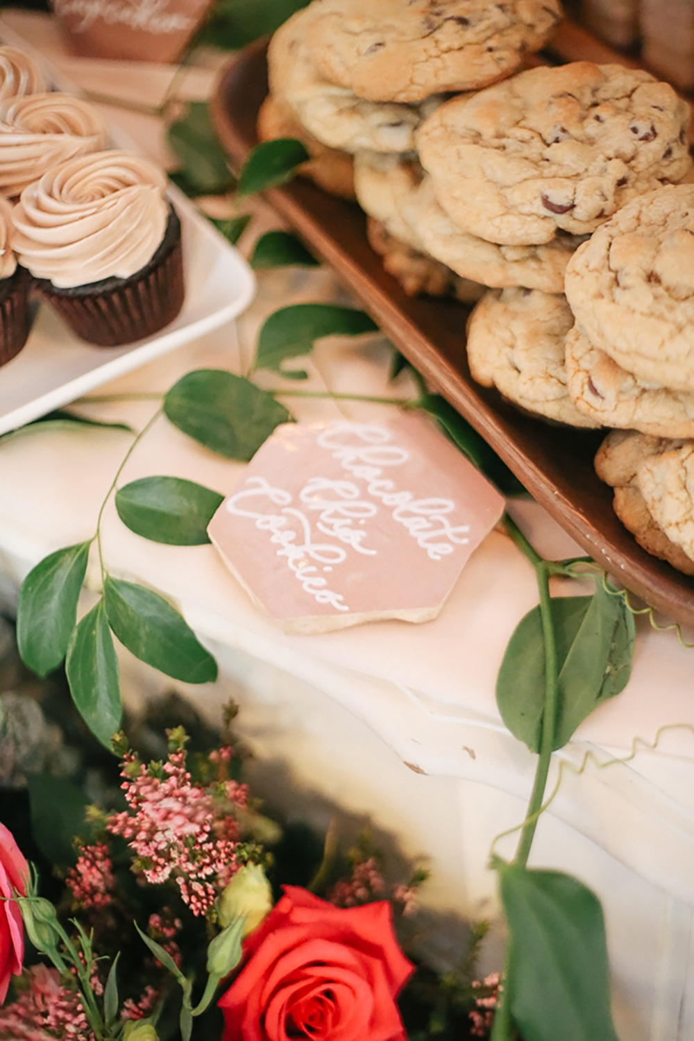tile title cards for your dessert table