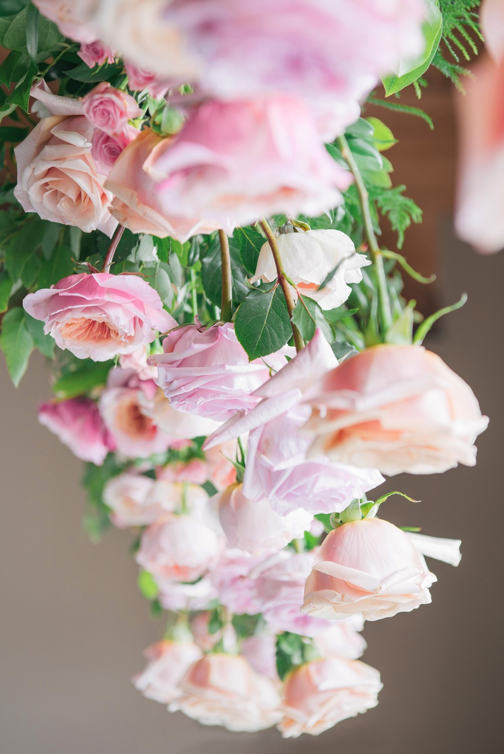 floating roses floral decor
