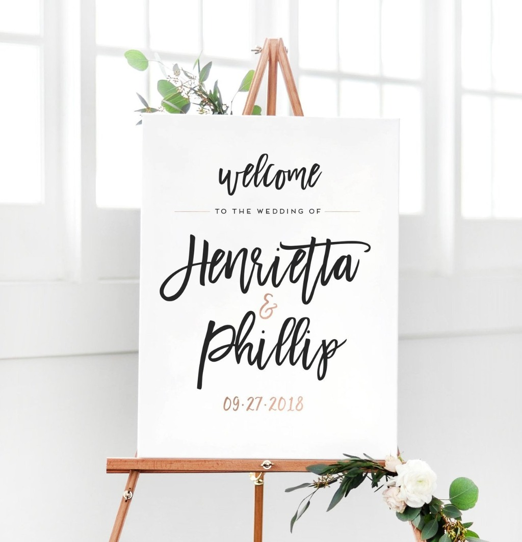 For your big day, you want to welcome your guests the right way with this Wedding Welcome Sign from Miss Design Berry!! Let us know