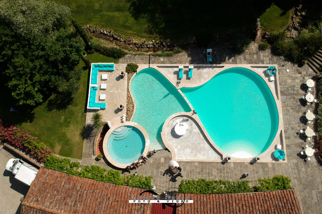 The Valle di Badia swimming pool is a real jewel in the hamlet's crown. Made up of several pools at different levels, it lays in