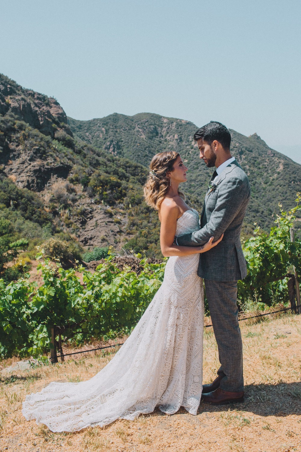 romantic wedding style for your nature chic wedding