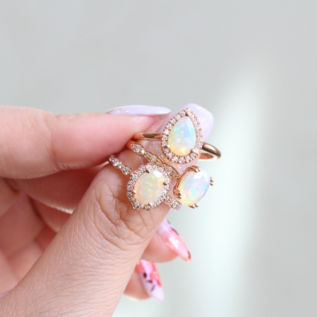 Our opal ring collection comes in a variety of styles, from halo to solitaire to vintage-inspired ✨ See more from the collection