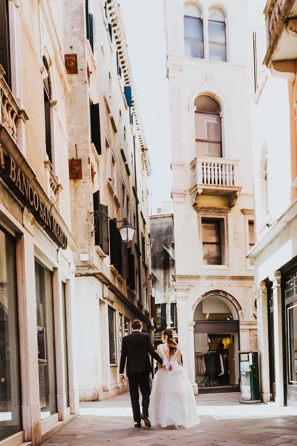 taking a wedding walk in Venice