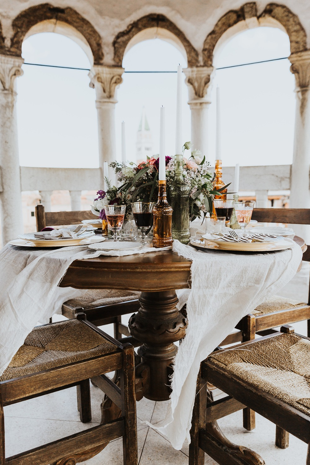 romantic wedding table in Venice