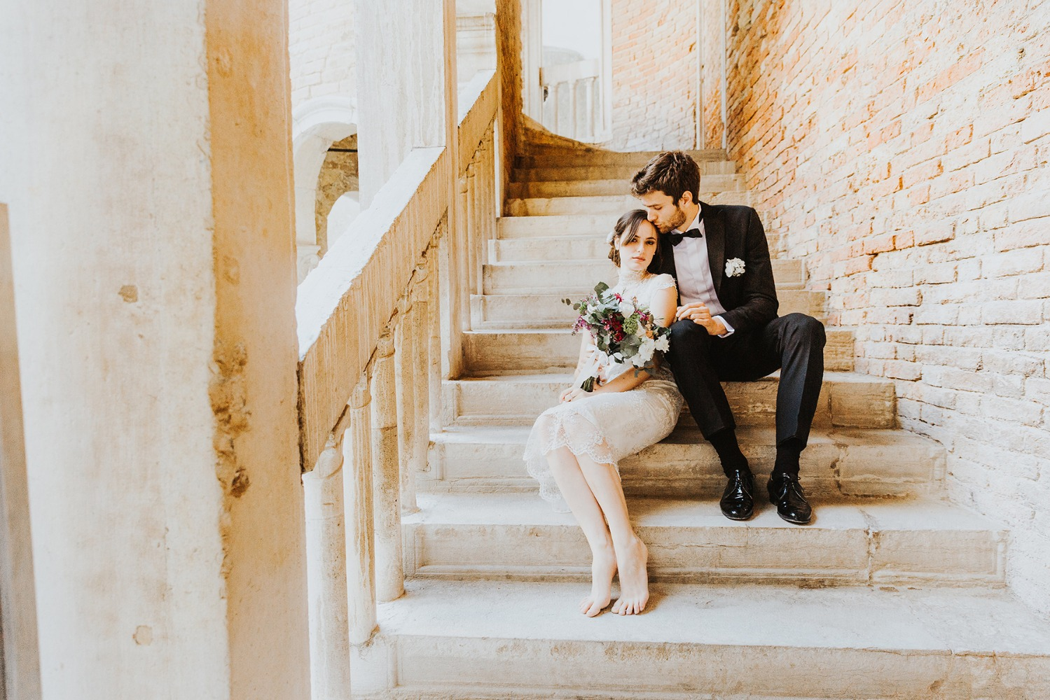 sweet wedding photo idea on the stairs