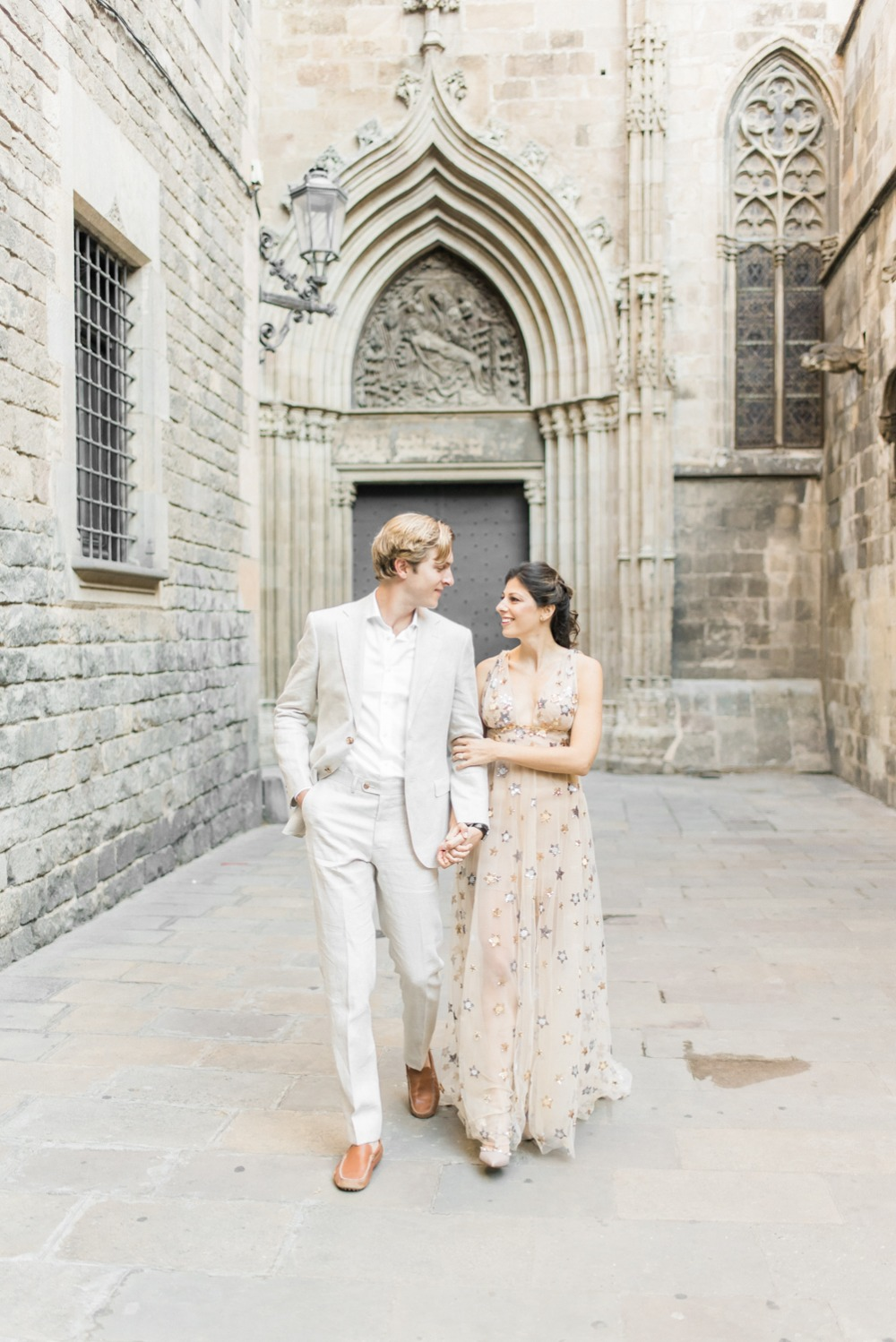 how to have an engagement shoot in Barcelona