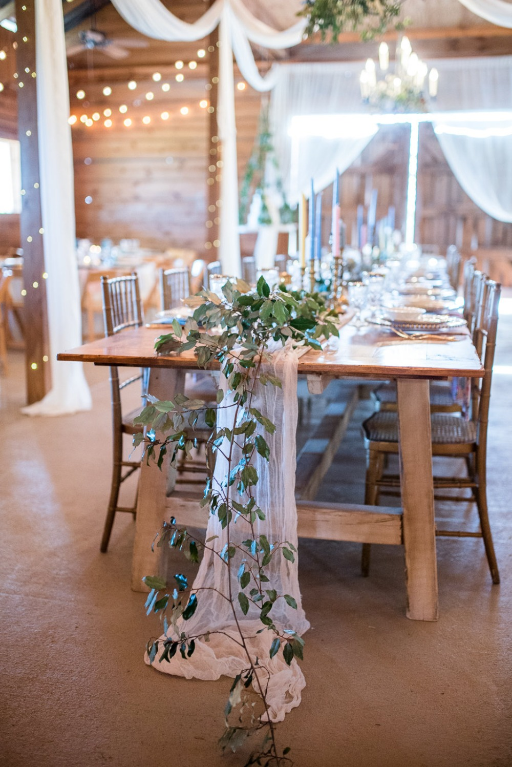 romantic ivy garland wedding table