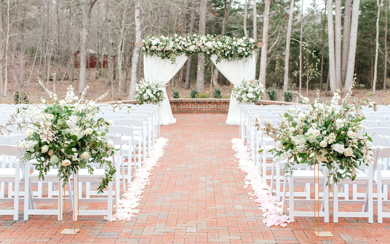 outdoor white wedding decor