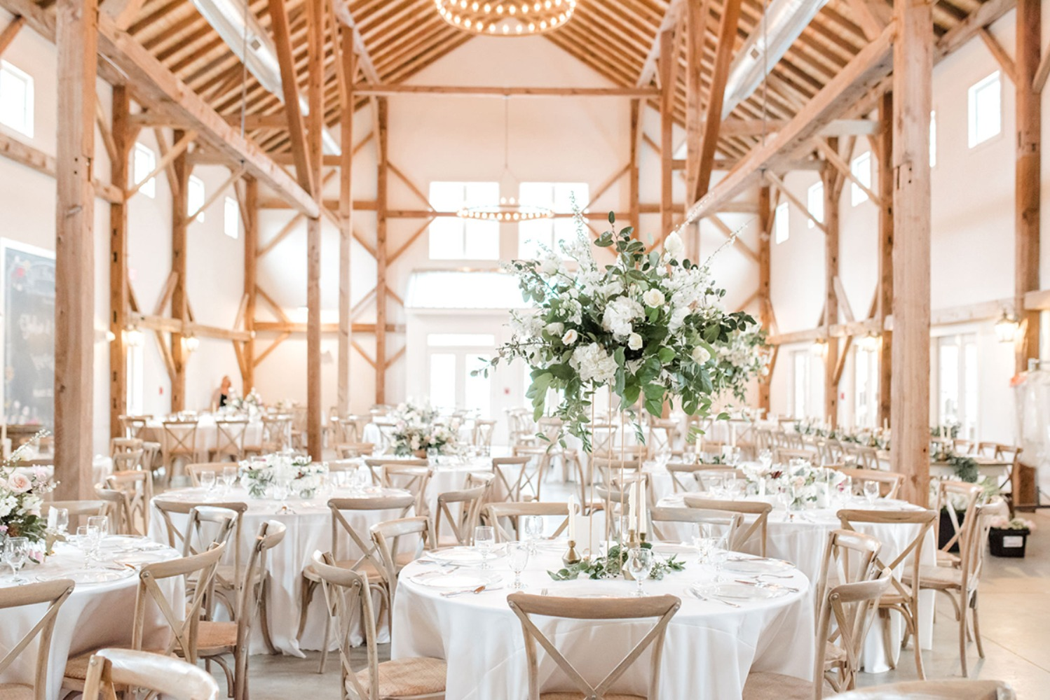 a modern barn wedding day in neutral and white