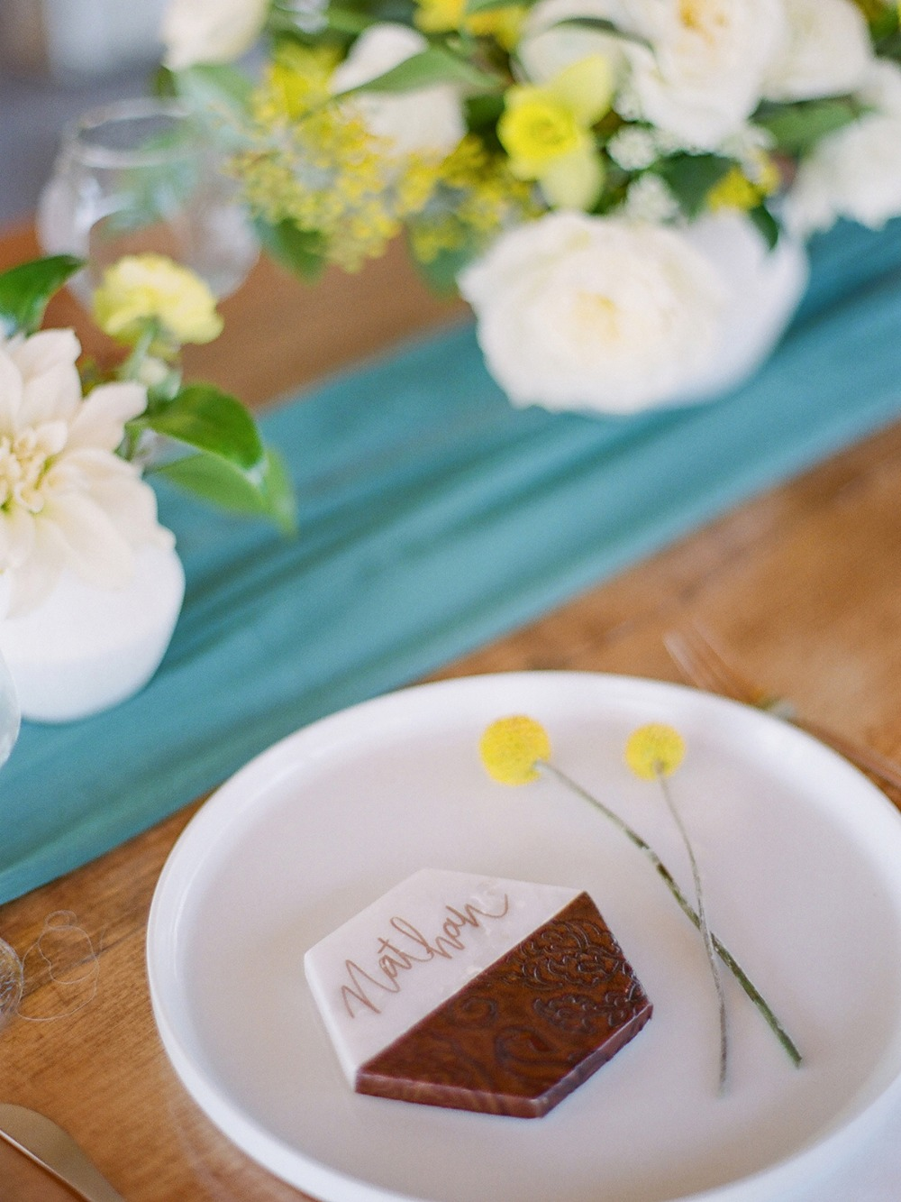 modern wedding table place card idea