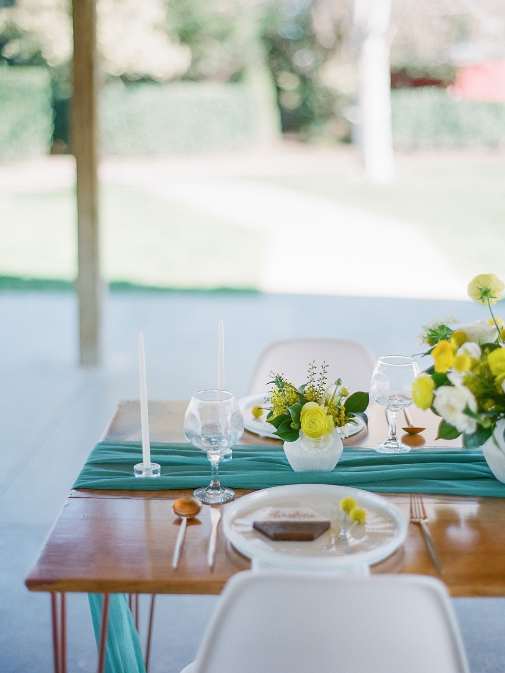 mid century modern wedding table idea