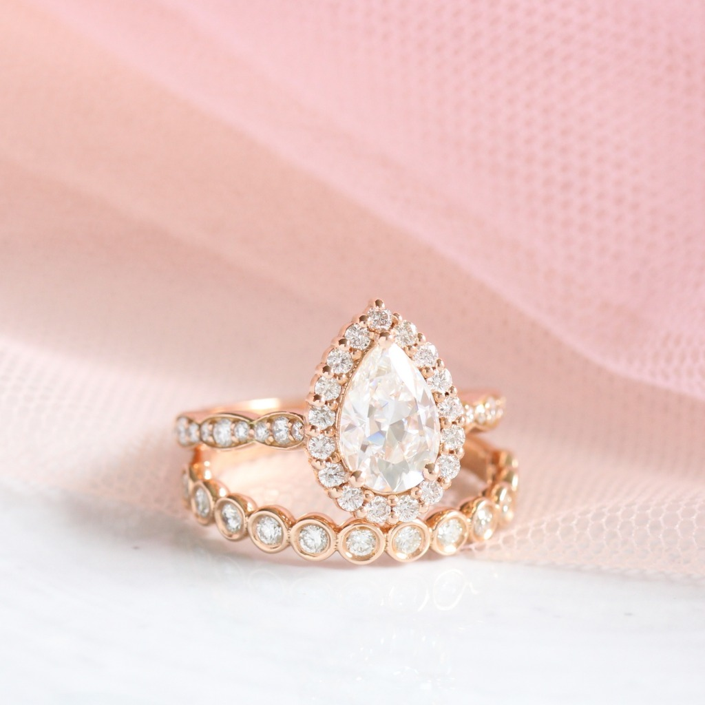 Pear engagement rings have been so hot in 2018 and we strongly believe it will continue be so popular in 2019 too!