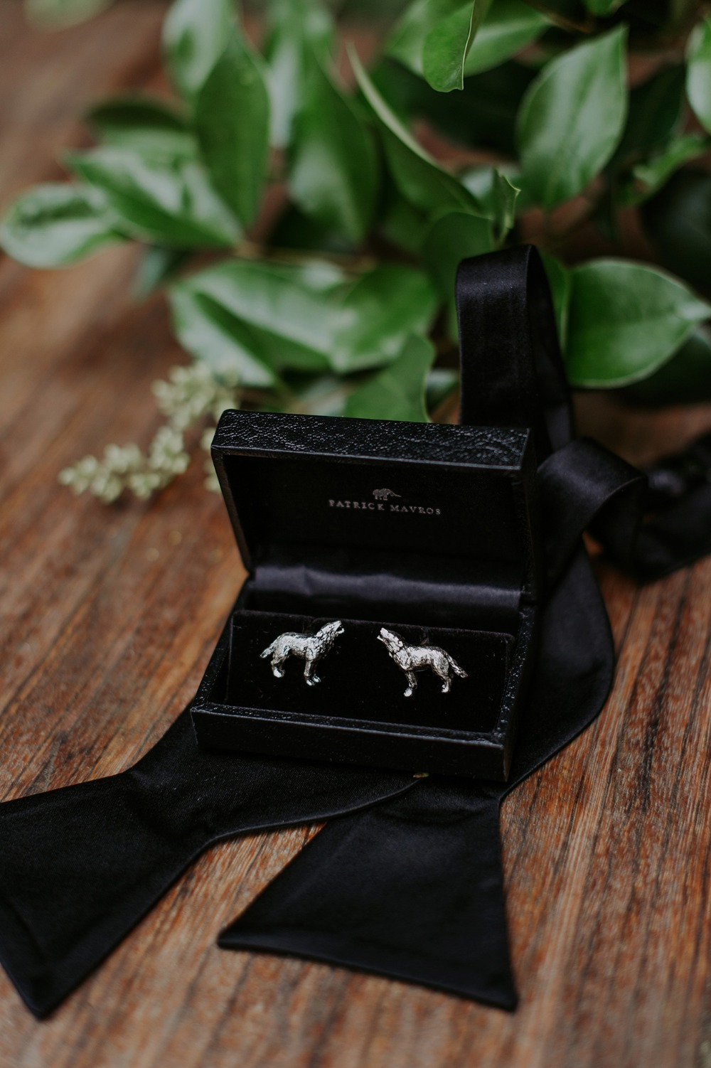 wedding wolf cufflinks