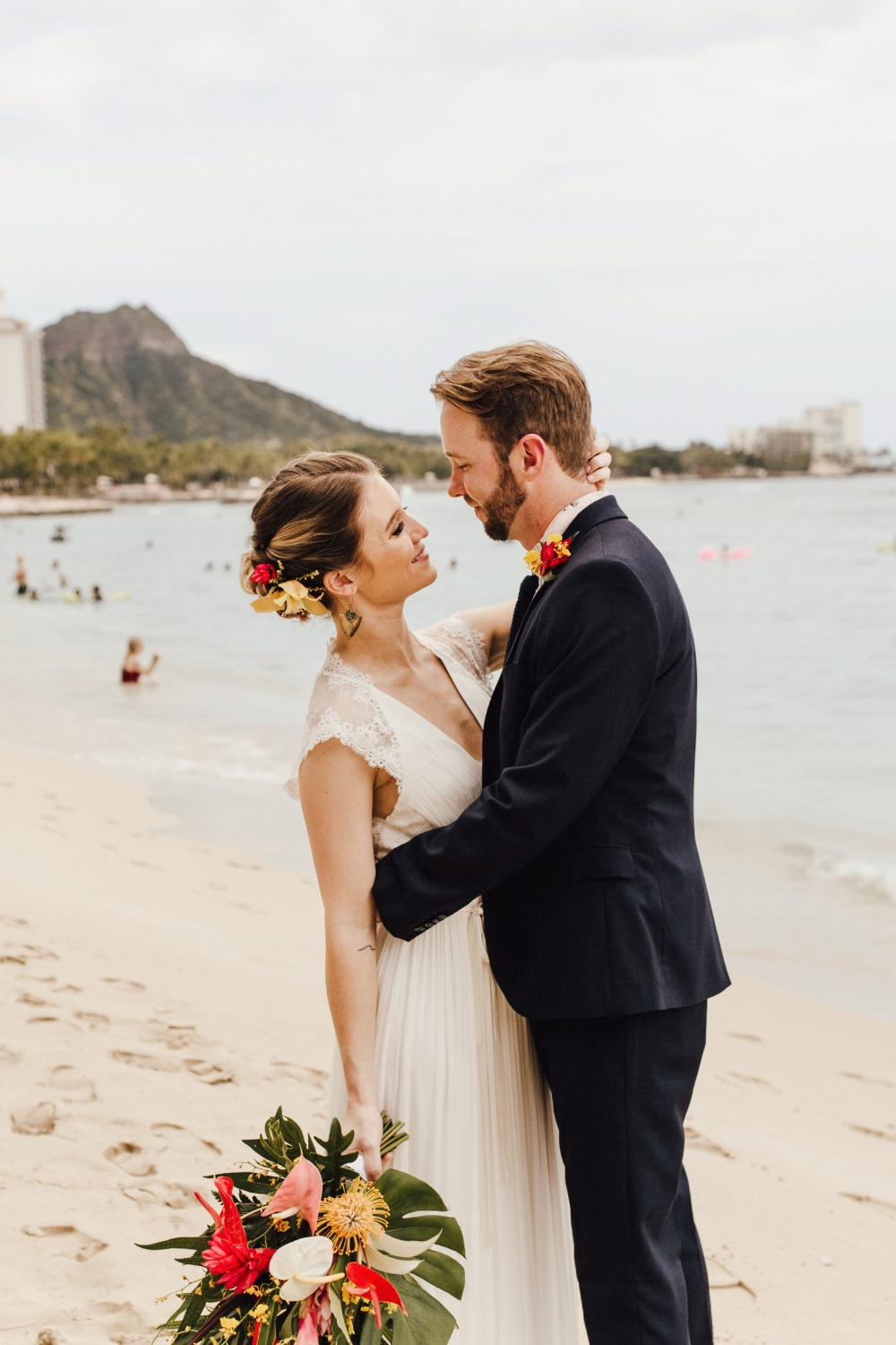 Tropical wedding on Oahu