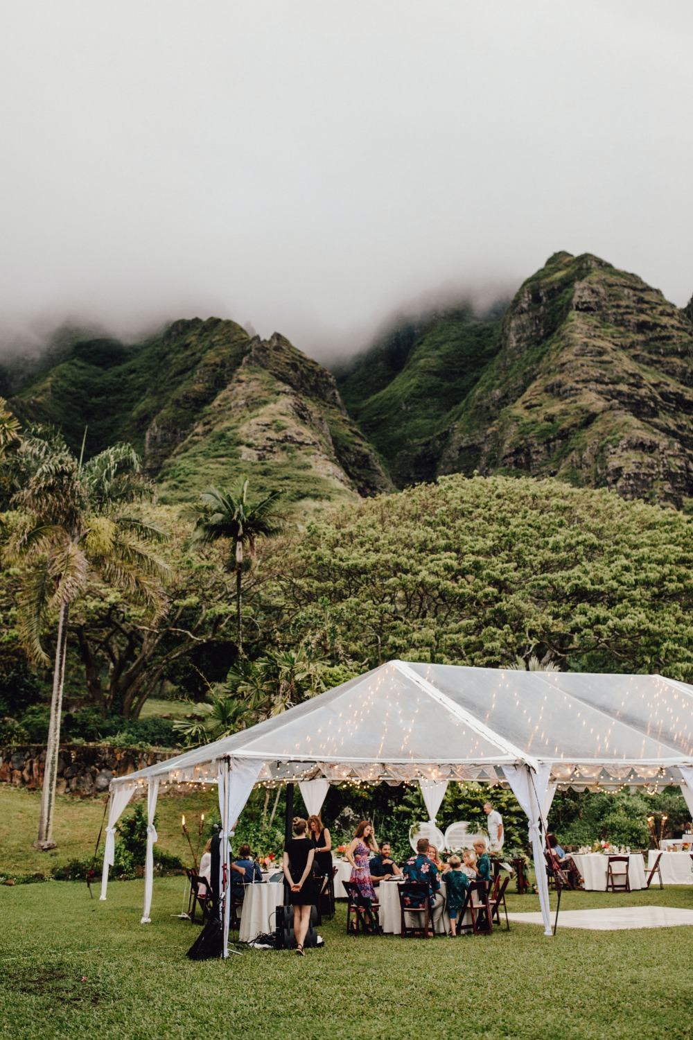 Gorgeous Hawaii wedding in Oahu