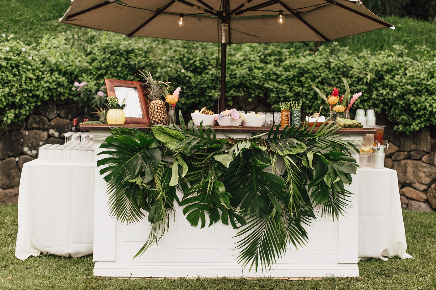 Tropical wedding bar