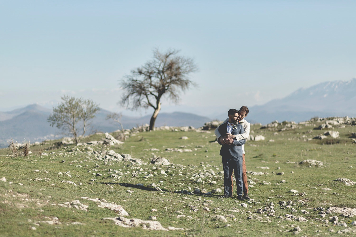 rustic Italian countryside wedding portraits